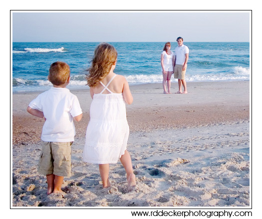 Choosing the right clothes and accessories can greatly improve your beach photos.